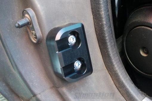 Mazda MX-5 stiffening door bushings